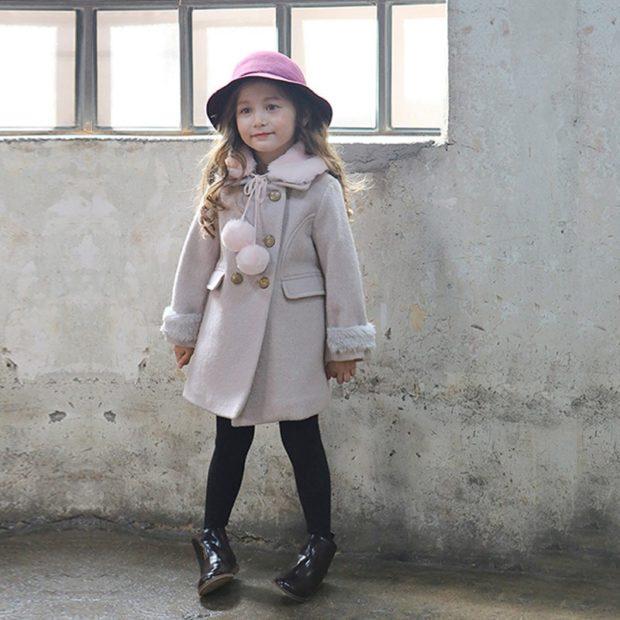 пальто шерстяное серое с розовым воротом