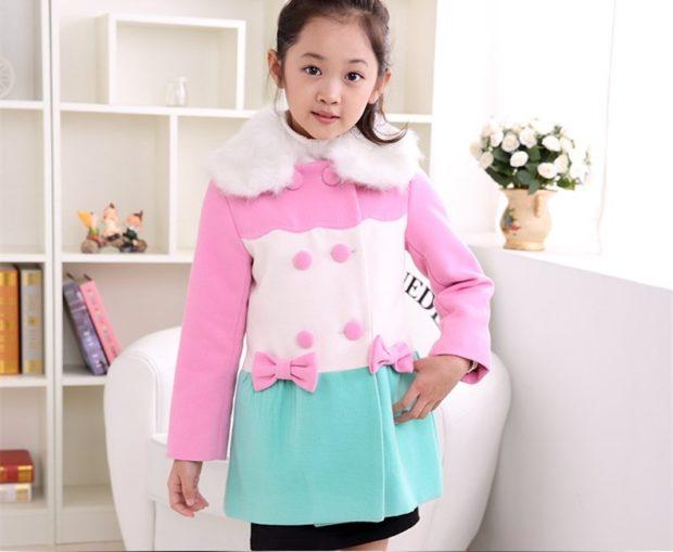 пальто шерстяное розово-бело-бирюзовое с бантами