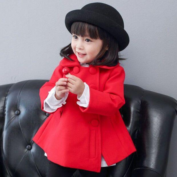 пальто шерстяное красное короткой двубортное
