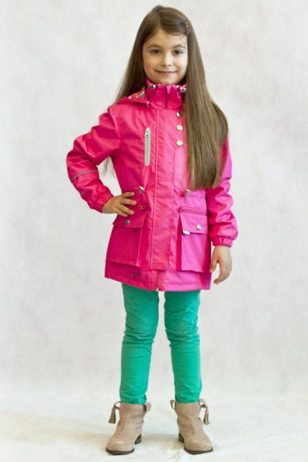 розовая курточка плащевка весенняя