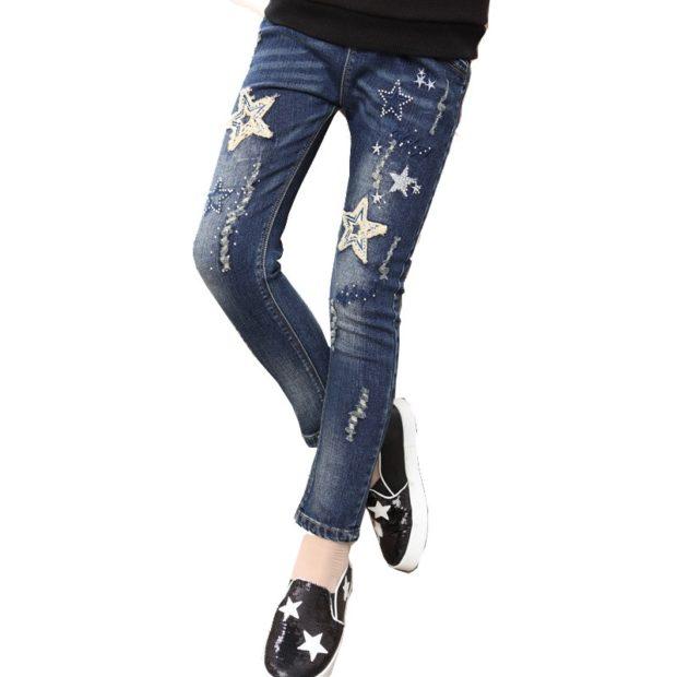 узкие джинсы со звездами