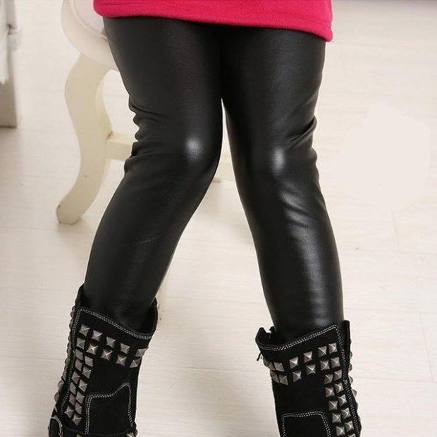 штаны кожаные и ботинки с украшениями