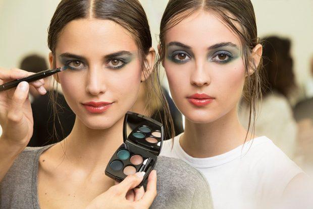 смоки-айс черный с зеленым макияж весна лето 2018