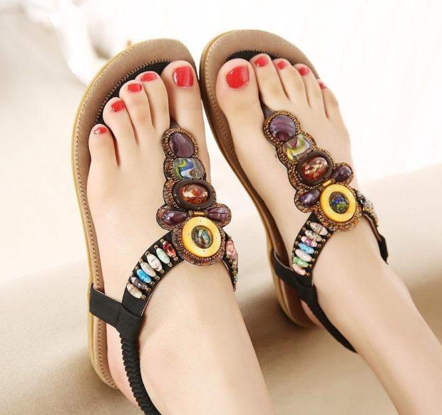 сандалии плоский ход с камнями