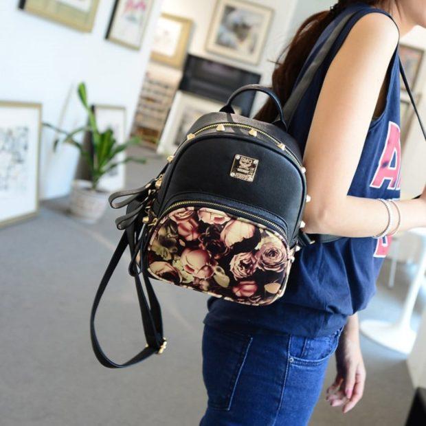 рюкзак черный в цветы
