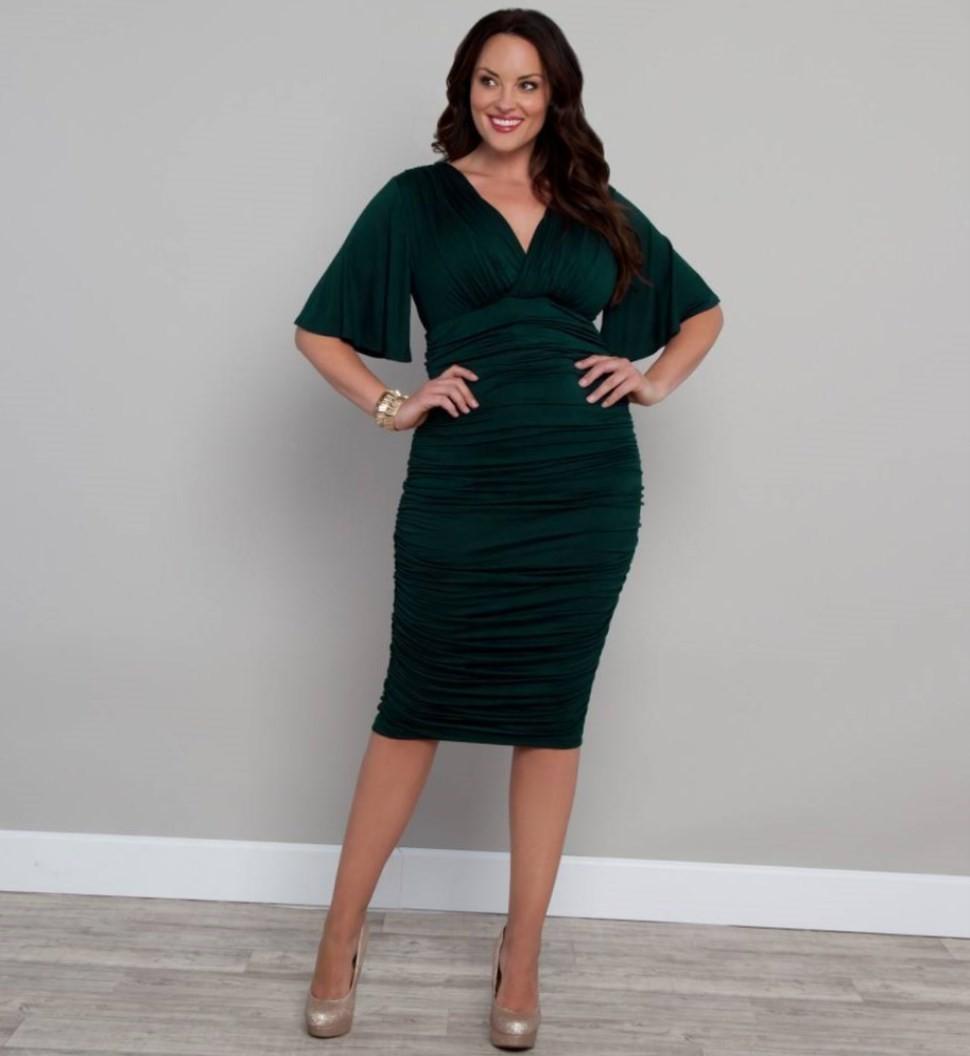 платье темно зеленое для пышных форм