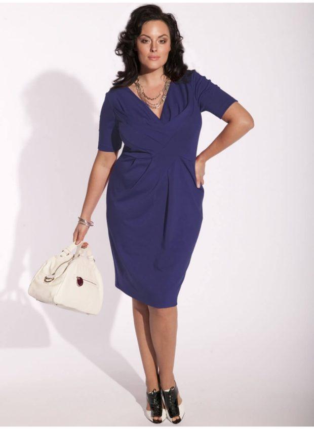 темно синие платье для пышных форм