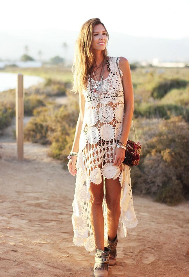 кружевное платье со шлейфом длинным белое