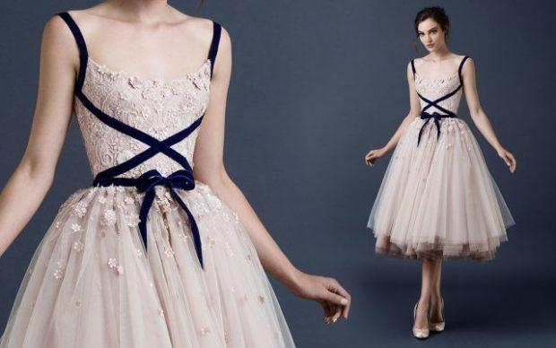бежевое платье пышная шифоновая юбка с лентой бархатной