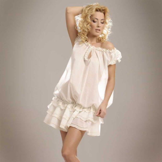 шифоновое платье белое с оборками на юбке