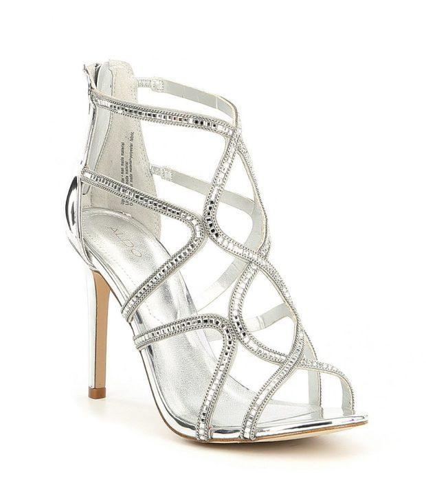 модная обувь на новый год: серебро высокий каблук