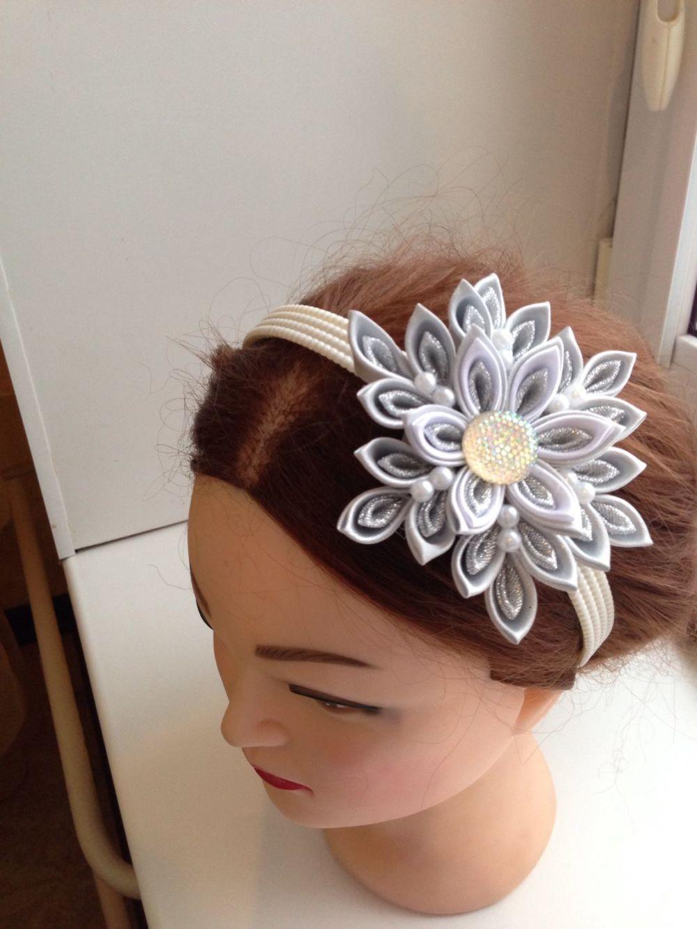 ободок на голову с крупным цветком