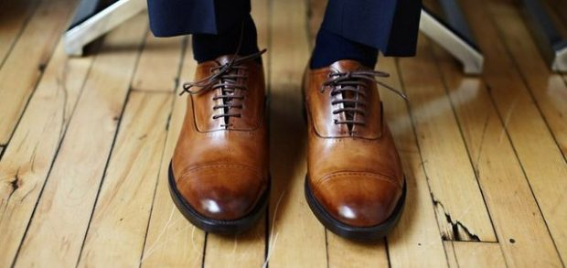 туфли кожаные коричневые со шнуровкой