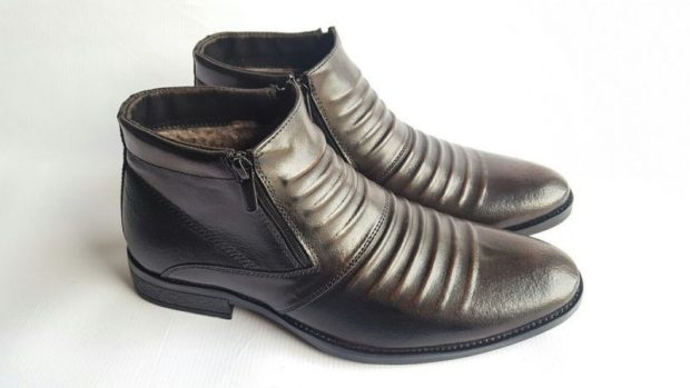 ботинки серебристые на змейке