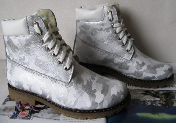 серые теплые ботинки камуфляж