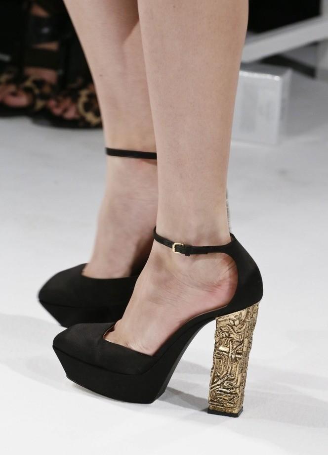 туфли на толстом каблуке черные каблук золотой