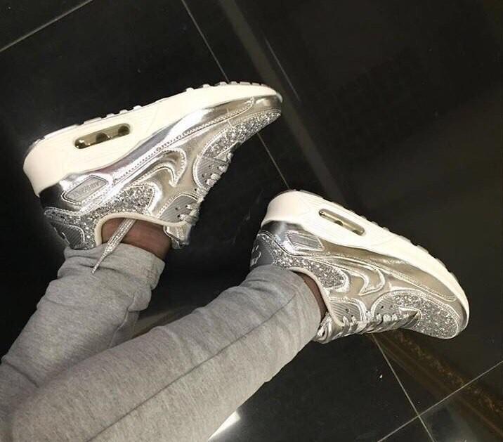 кроссовки блестящие серебро