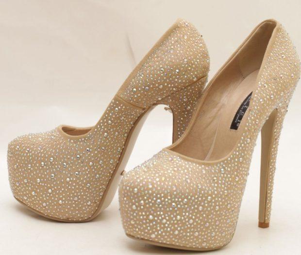 туфли со стразами на шпильке