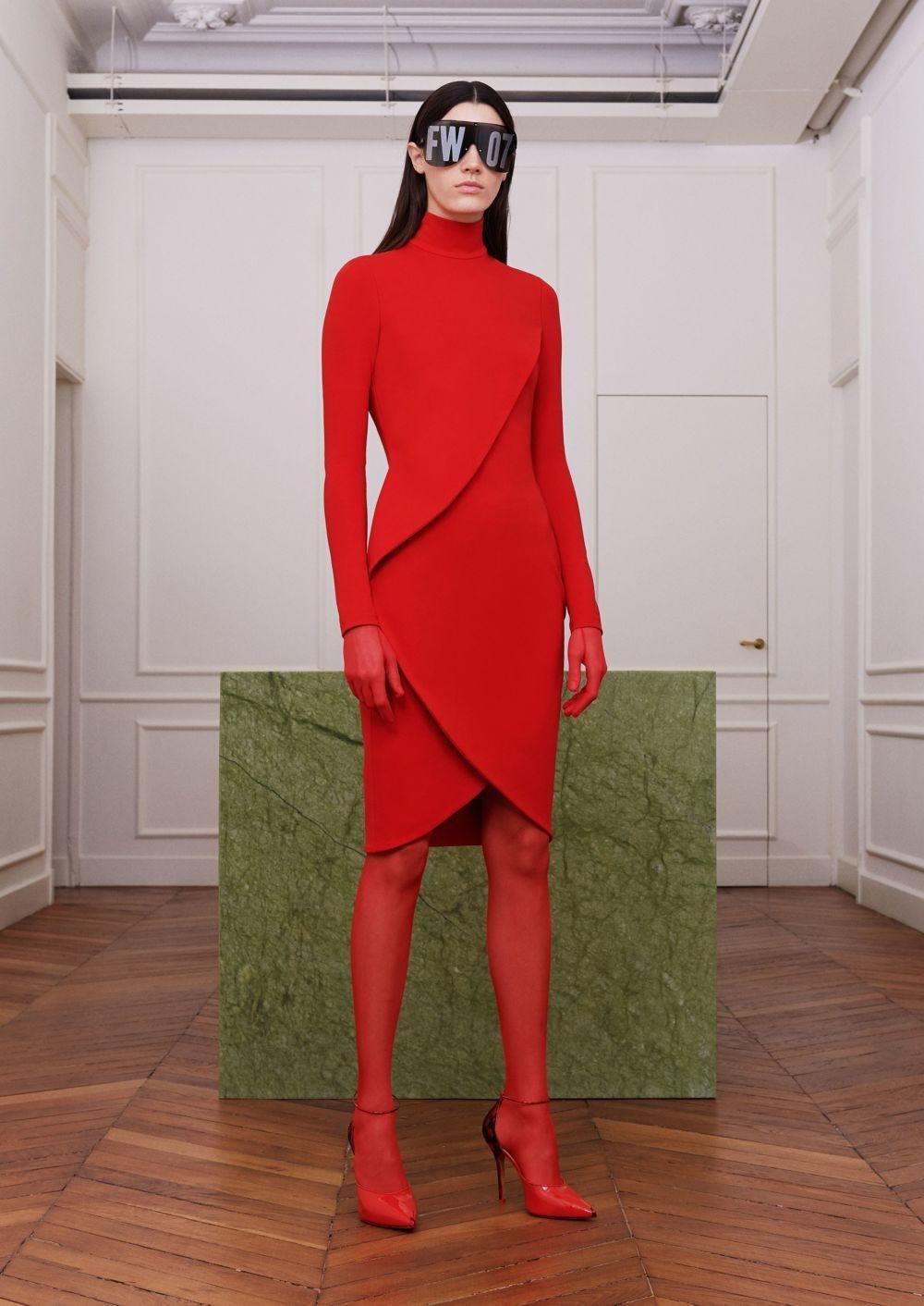 красное платье красные туфли