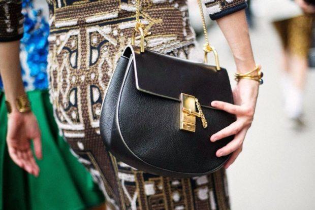 сумочка маленькая черная с золотым ремнем