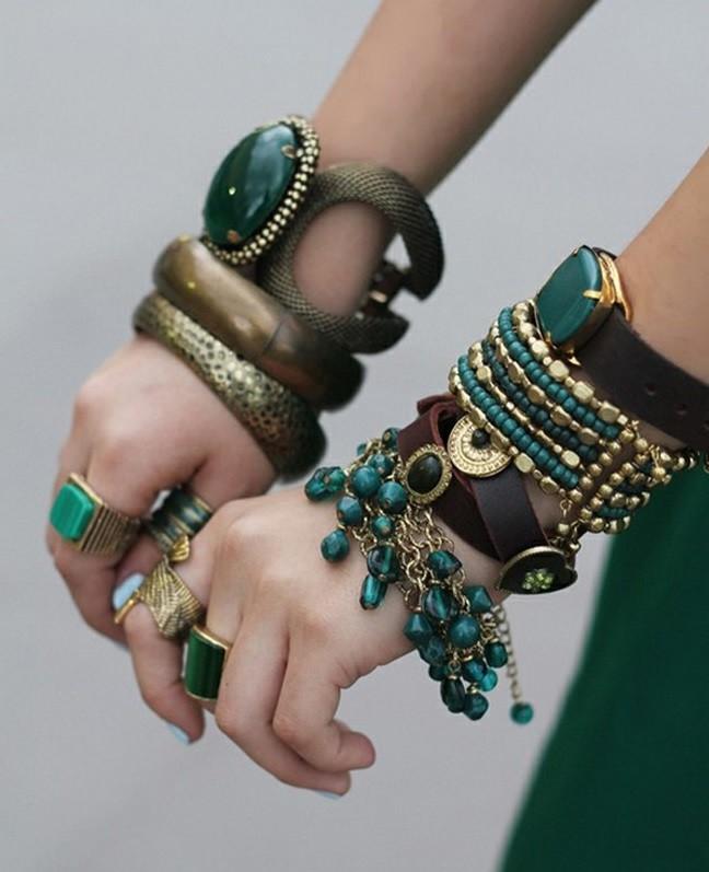 объемный браслеты зеленые с золотом