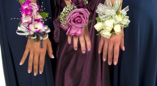 браслеты на руку с объемными цветками