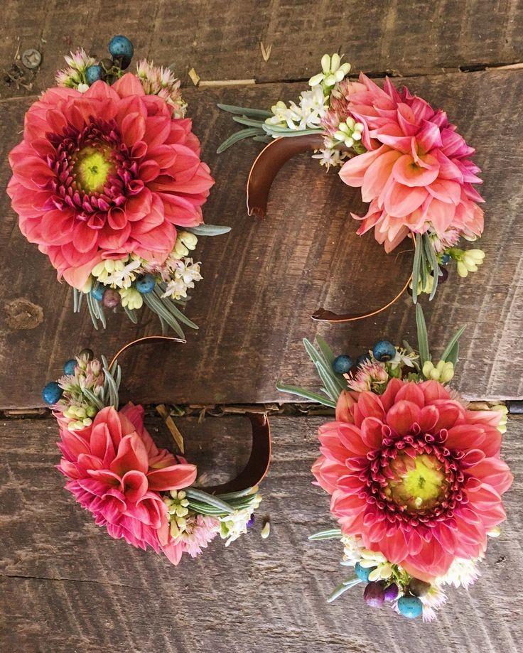 браслеты с цветками объемными