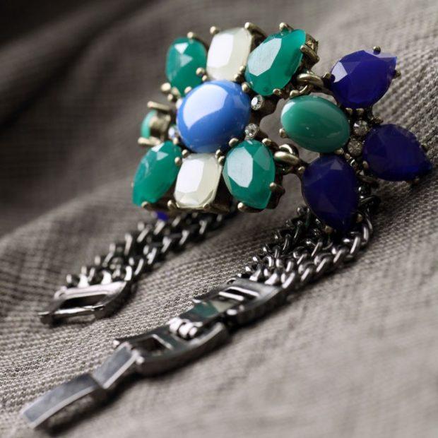браслет серебристый с камнями крупными синим бирюзовым белым