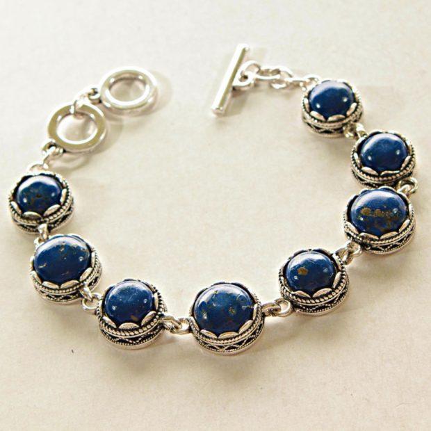 браслет из синих круглых камней