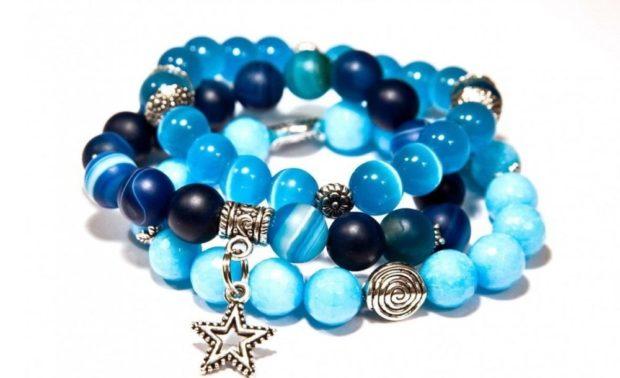 браслет синий с голубым в три слоя