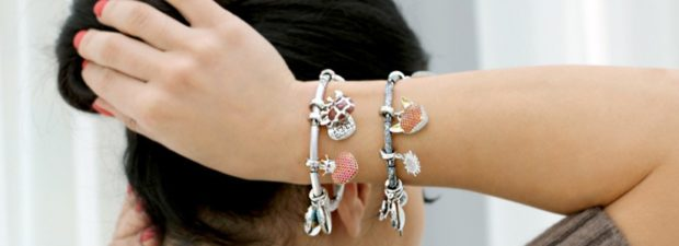 женские браслеты: с подвесками разной формы