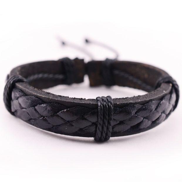 женские браслеты: кожаный плетеный черный