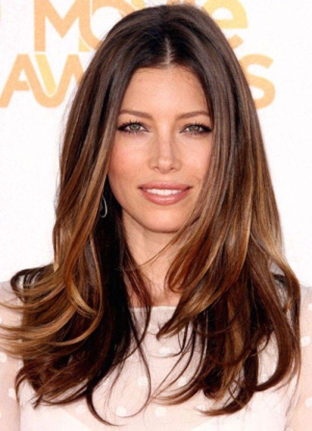 модный цвет волос: натуральный русый со светлыми концами