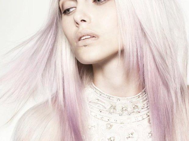 белый с переходом в розовый