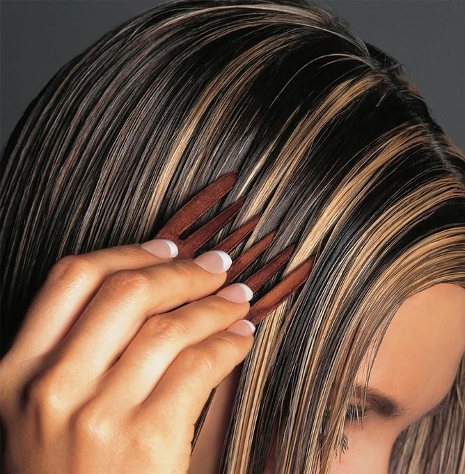 модные цвета волос: темные с мелированием