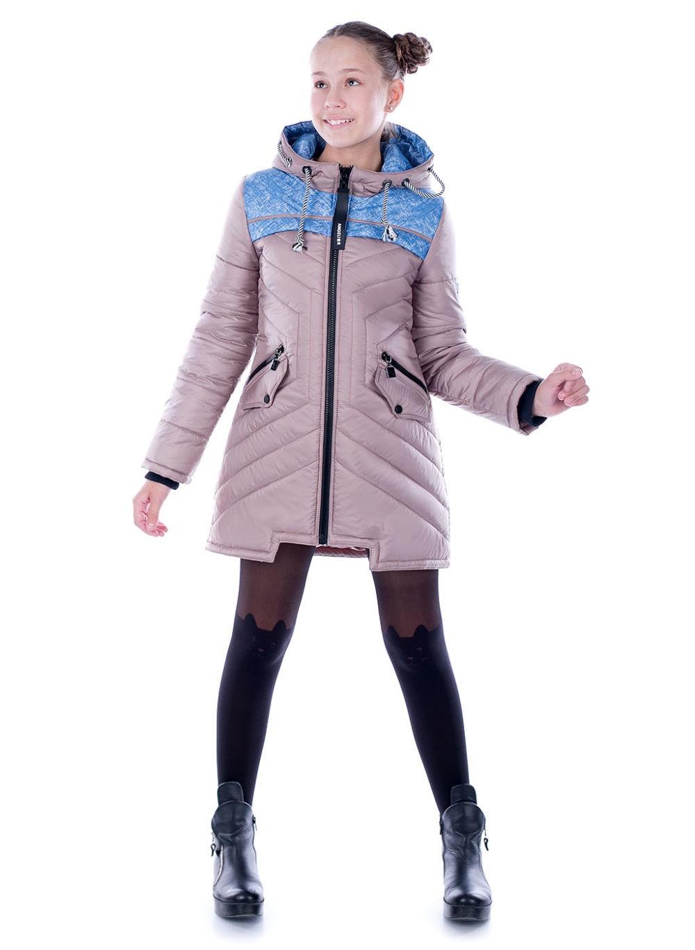 куртка нежно-сиреневая стеганая с синими вставками с капюшоном