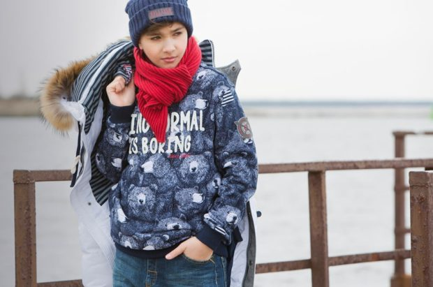 детская куртка на синтепоне белая с меховым капюшоном