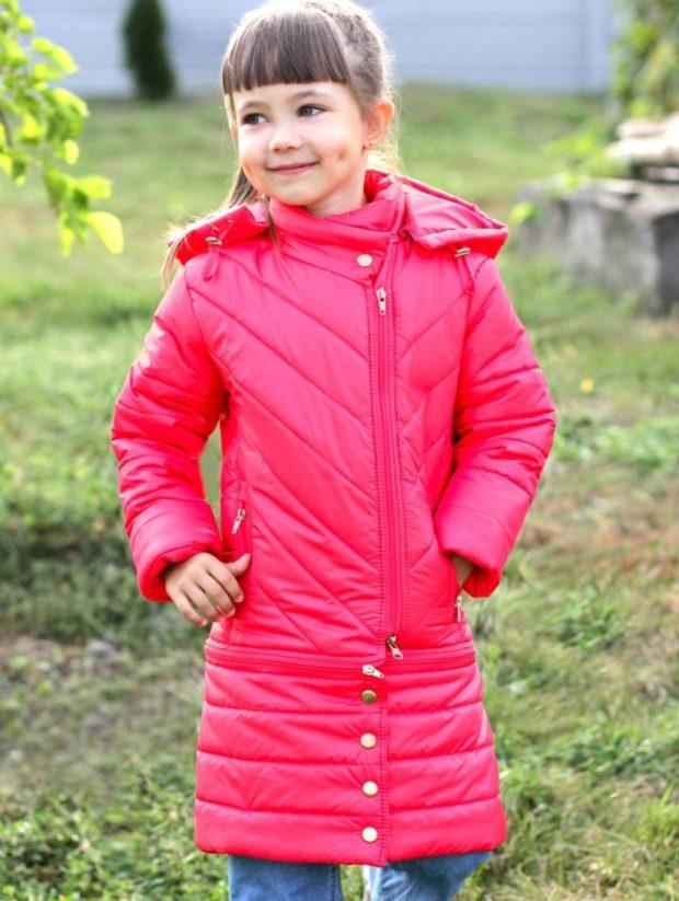 детский куртка фото: розовый удлиненный пуховик девочка осень