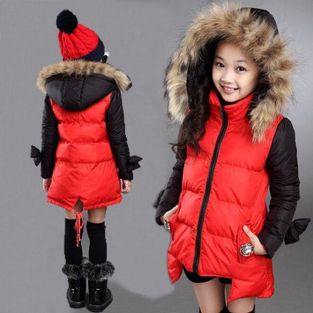 детские зимние куртки: красная с черным асимметрия с капюшоном