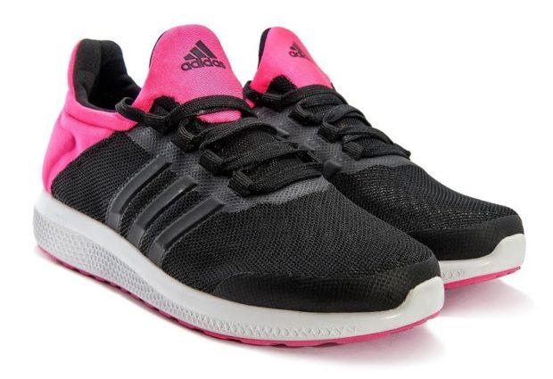 кроссовки розовые с черным подошва белая