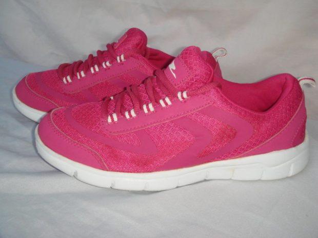 кроссовки розовые подошва белая
