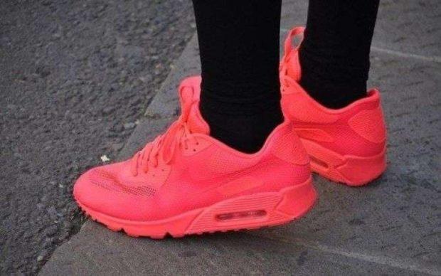 кроссовки неоновые красные