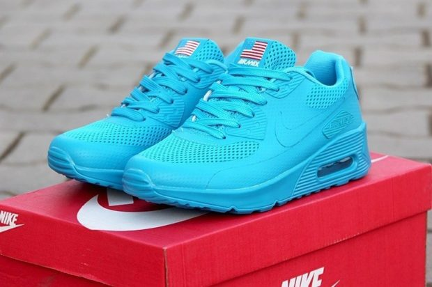 неоновые кроссовки голубые