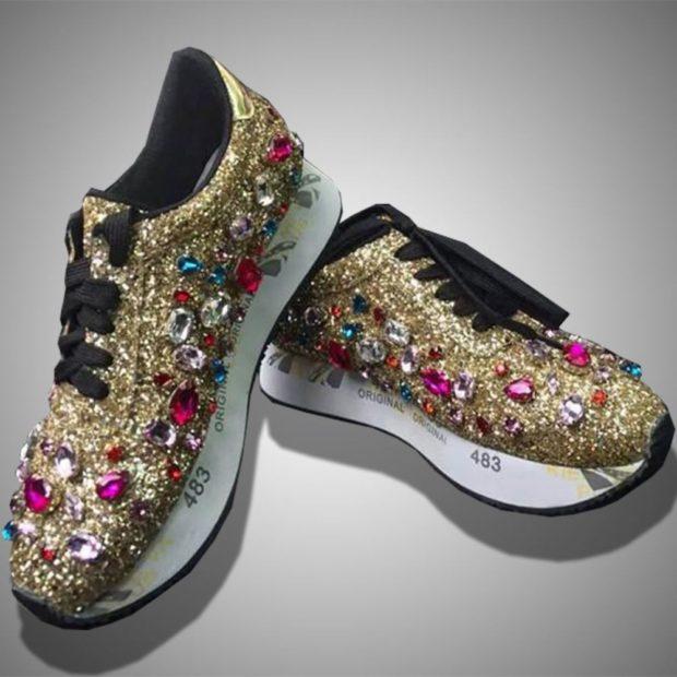 блестящие кроссовки золото с камнями