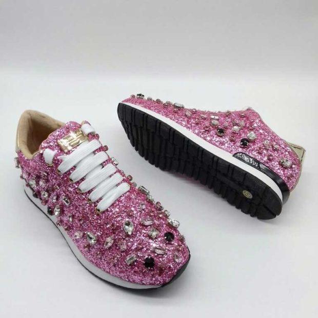 блестящие кроссовки розовые с камнями