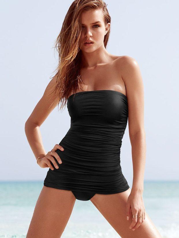 черный цельный купальник платье