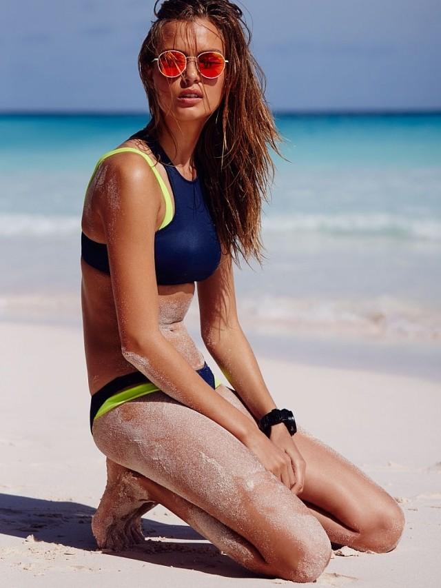 раздельный спортивный купальник синий с салатовыми полосками