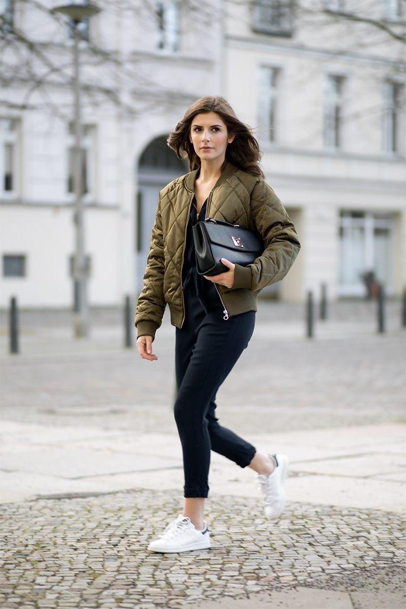 куртка-бомбер стеганая оливковая