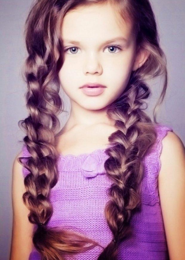 прически для девочек: оригинальная коса свободная