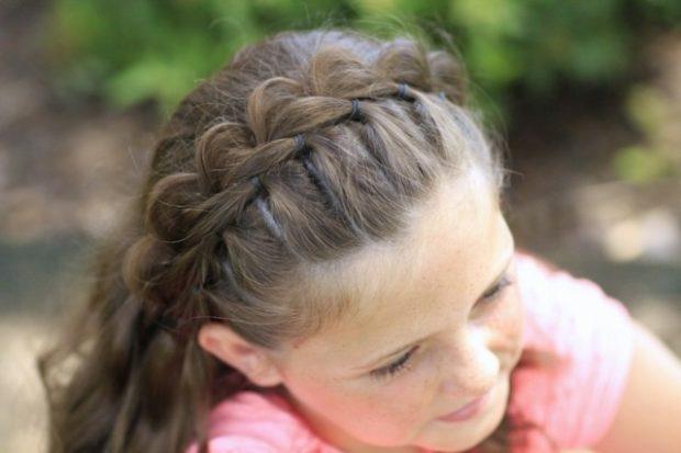 модные стрижки для девочек: коса вместо обруча